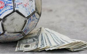 Fútbol sin contacto para salvar el negocio