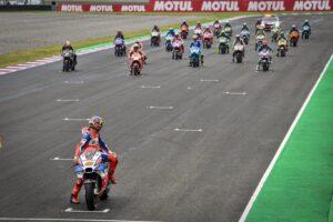 El paddock de MotoGP unido por una misma causa