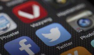 Iniciativas ciudadanas, información, socialización y bulos a través de las redes sociales